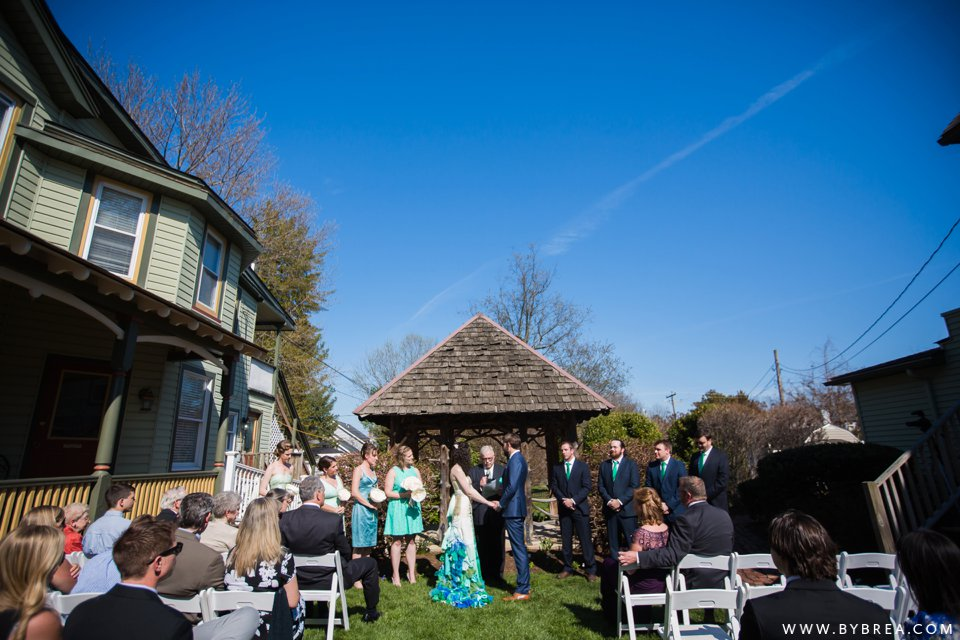 offbeat-vandiver-inn-wedding_1141