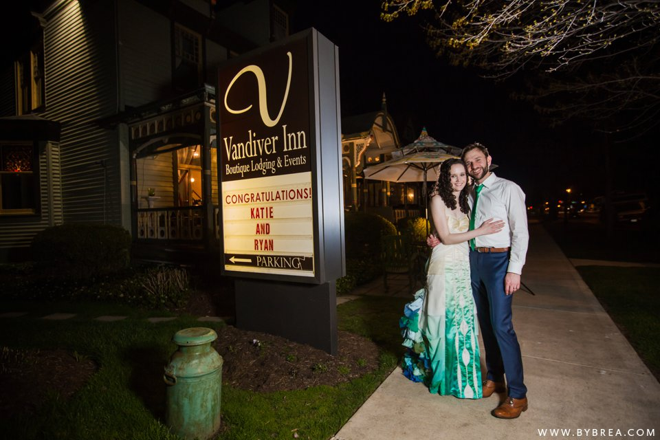offbeat-vandiver-inn-wedding_1170