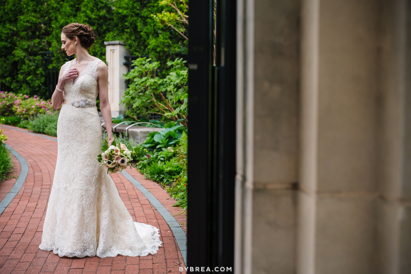 amanda-eric-peabody-library-baltimore-wedding_0083
