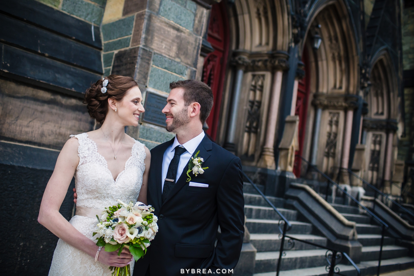 amanda-eric-peabody-library-baltimore-wedding_0097