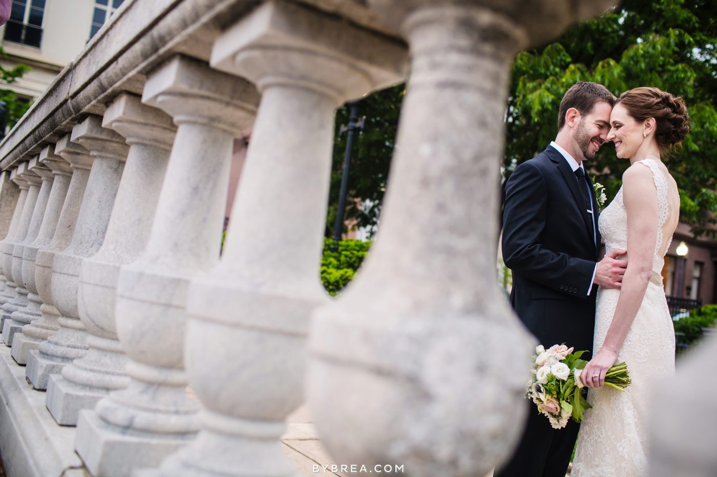 amanda-eric-peabody-library-baltimore-wedding_0102