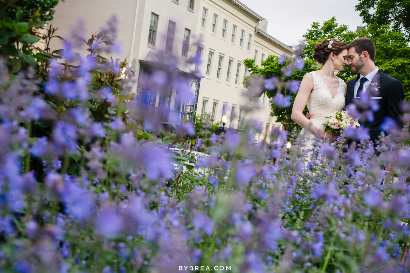 amanda-eric-peabody-library-baltimore-wedding_0104