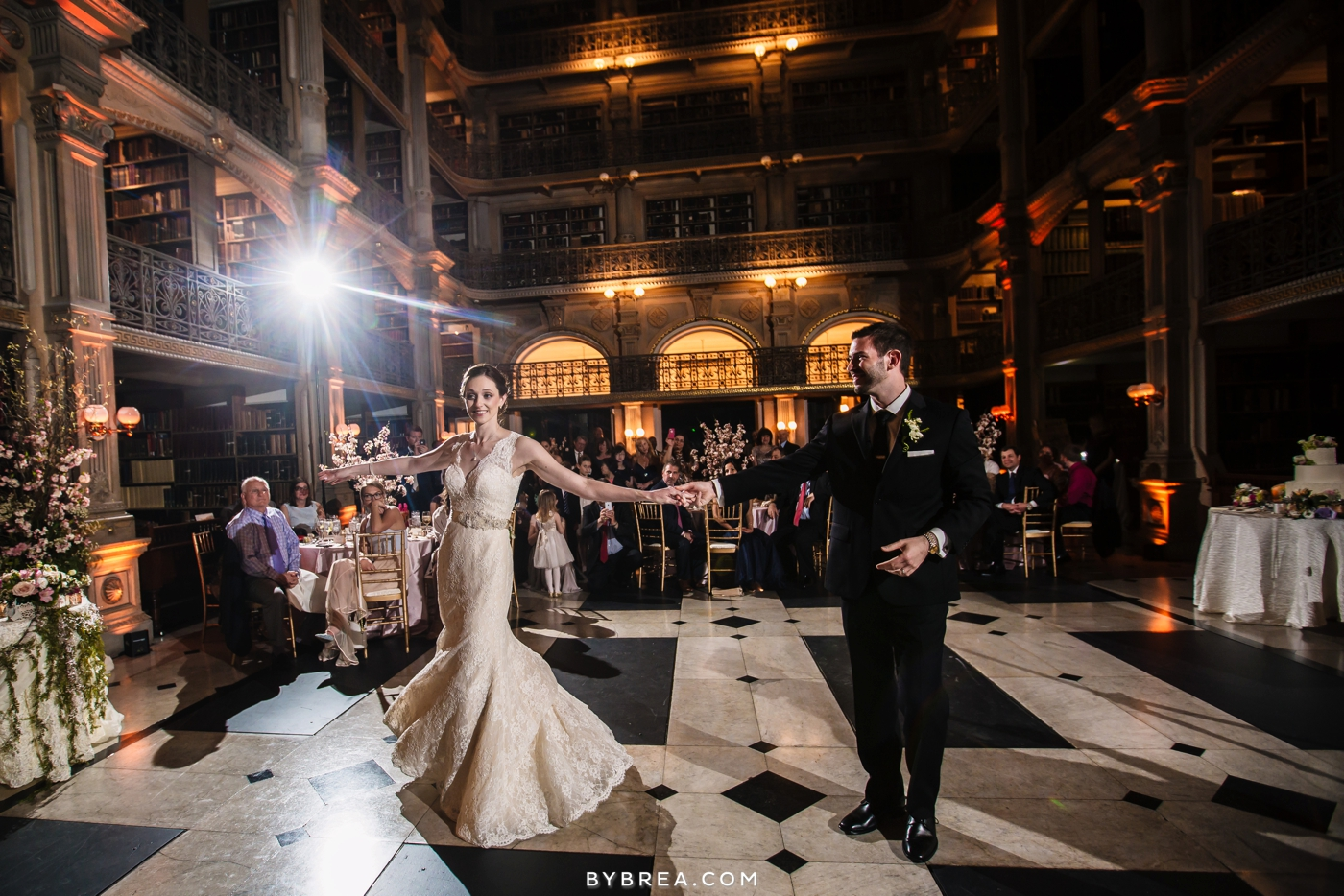 amanda-eric-peabody-library-baltimore-wedding_0113