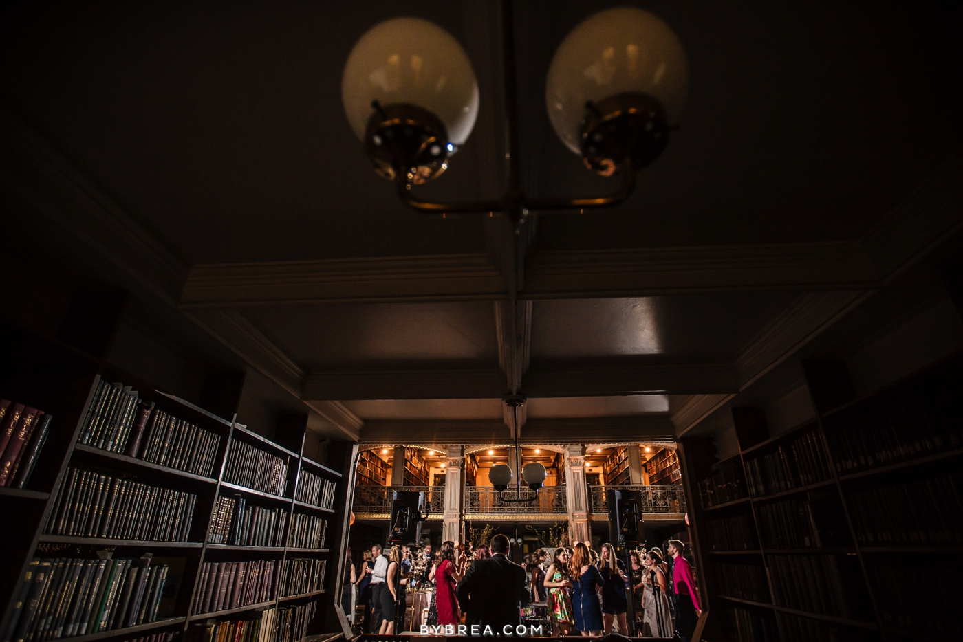 amanda-eric-peabody-library-baltimore-wedding_0122
