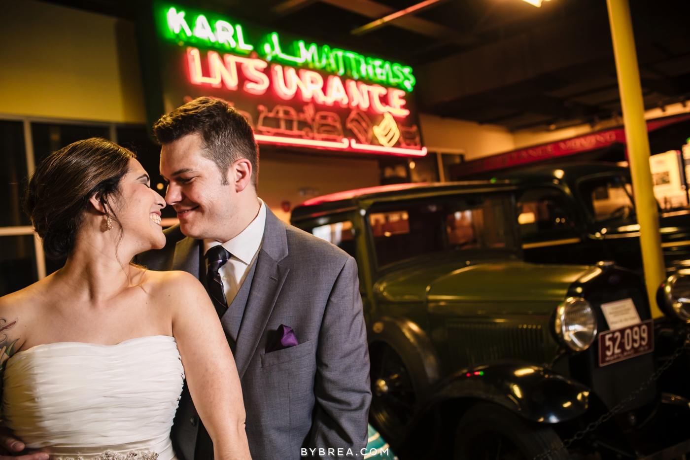 Baltimore wedding photo couple in front of old historic car