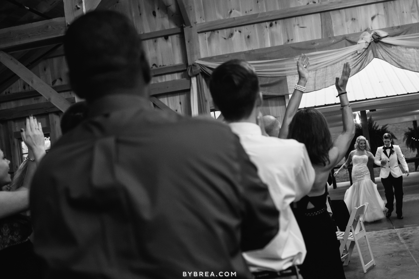hannah-meredith-pond-view-farm-wedding_0744