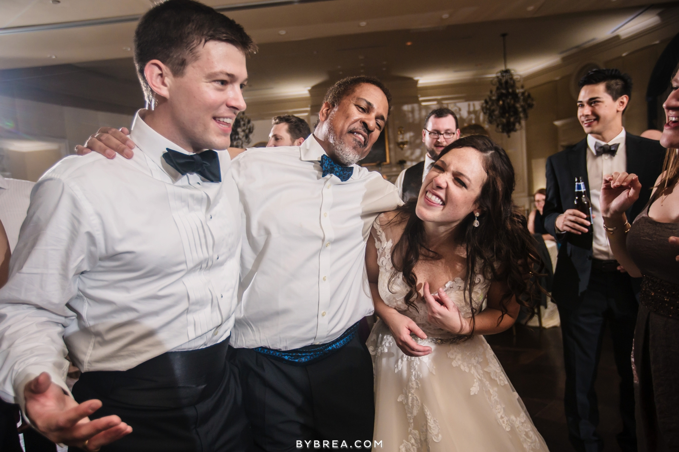 Baltimore wedding partying to DJ Mike Blaufeld