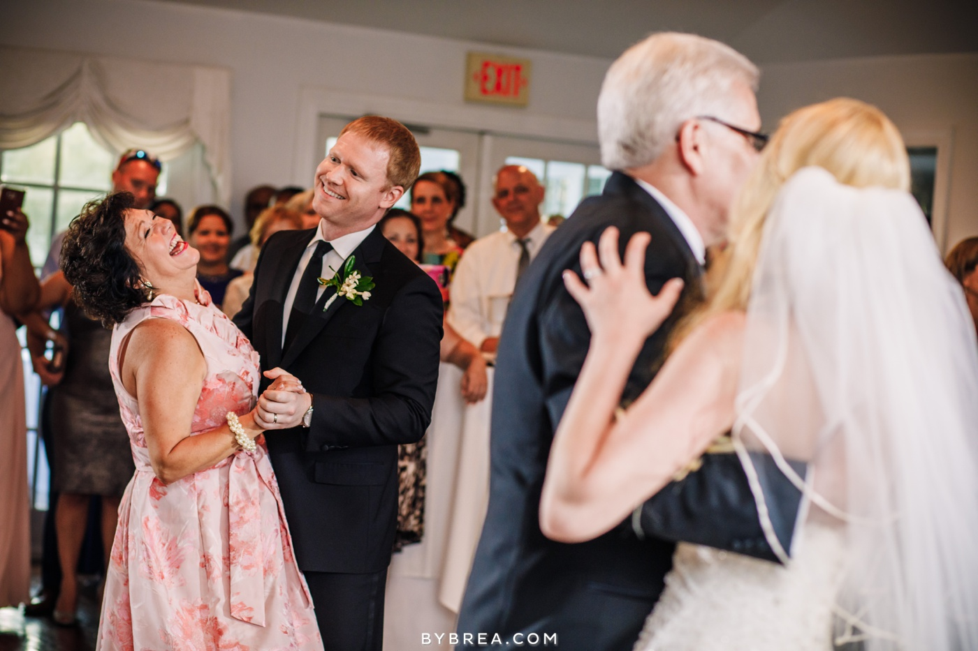 nicole-tucker-antrim-1844-wedding-photos_1330