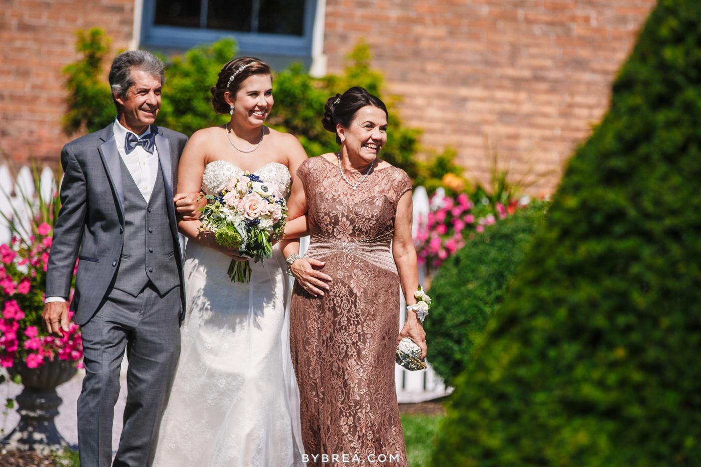 alyssa-richie-antrim-1844-wedding-photos_1617