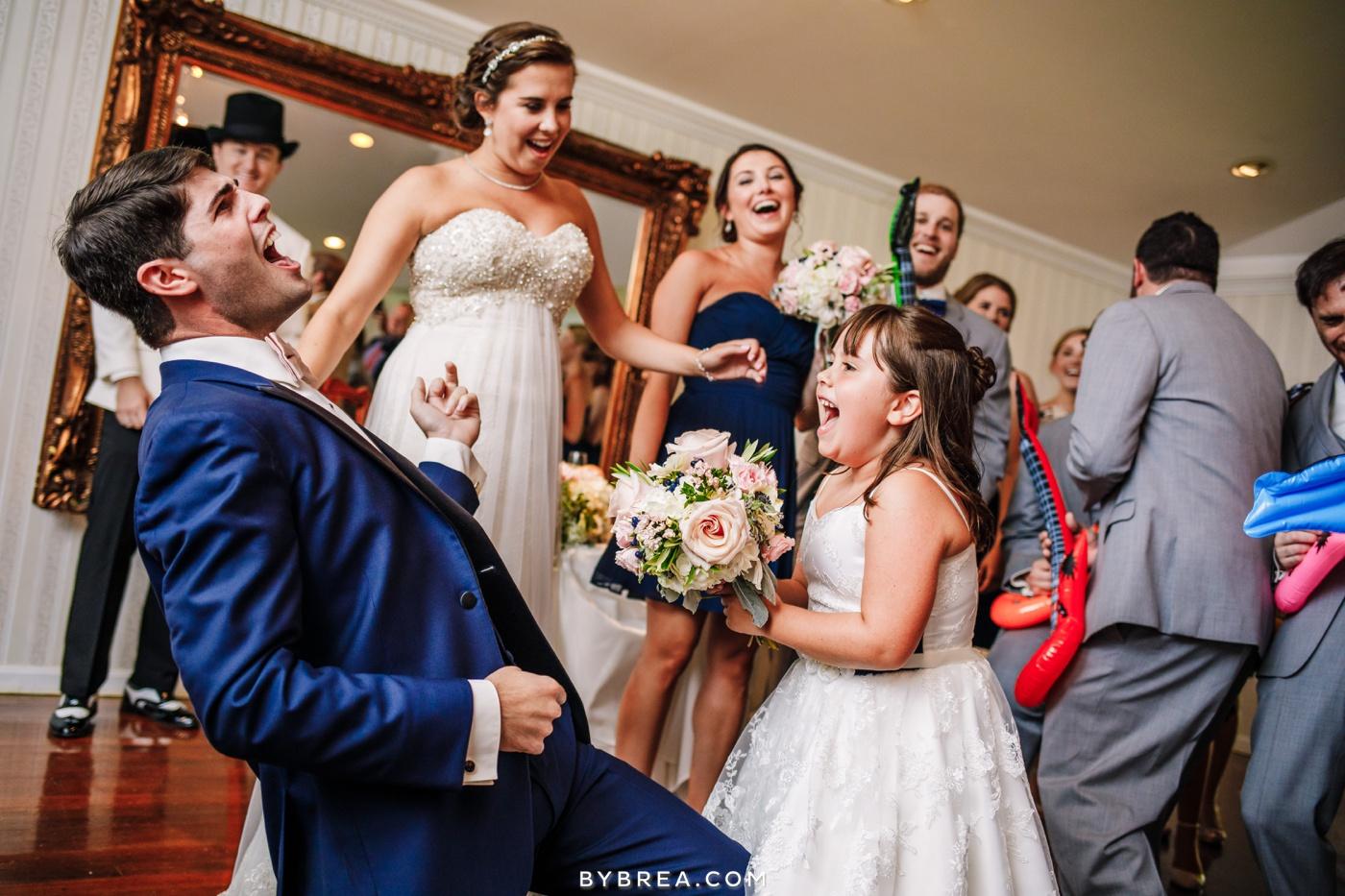 alyssa-richie-antrim-1844-wedding-photos_1629