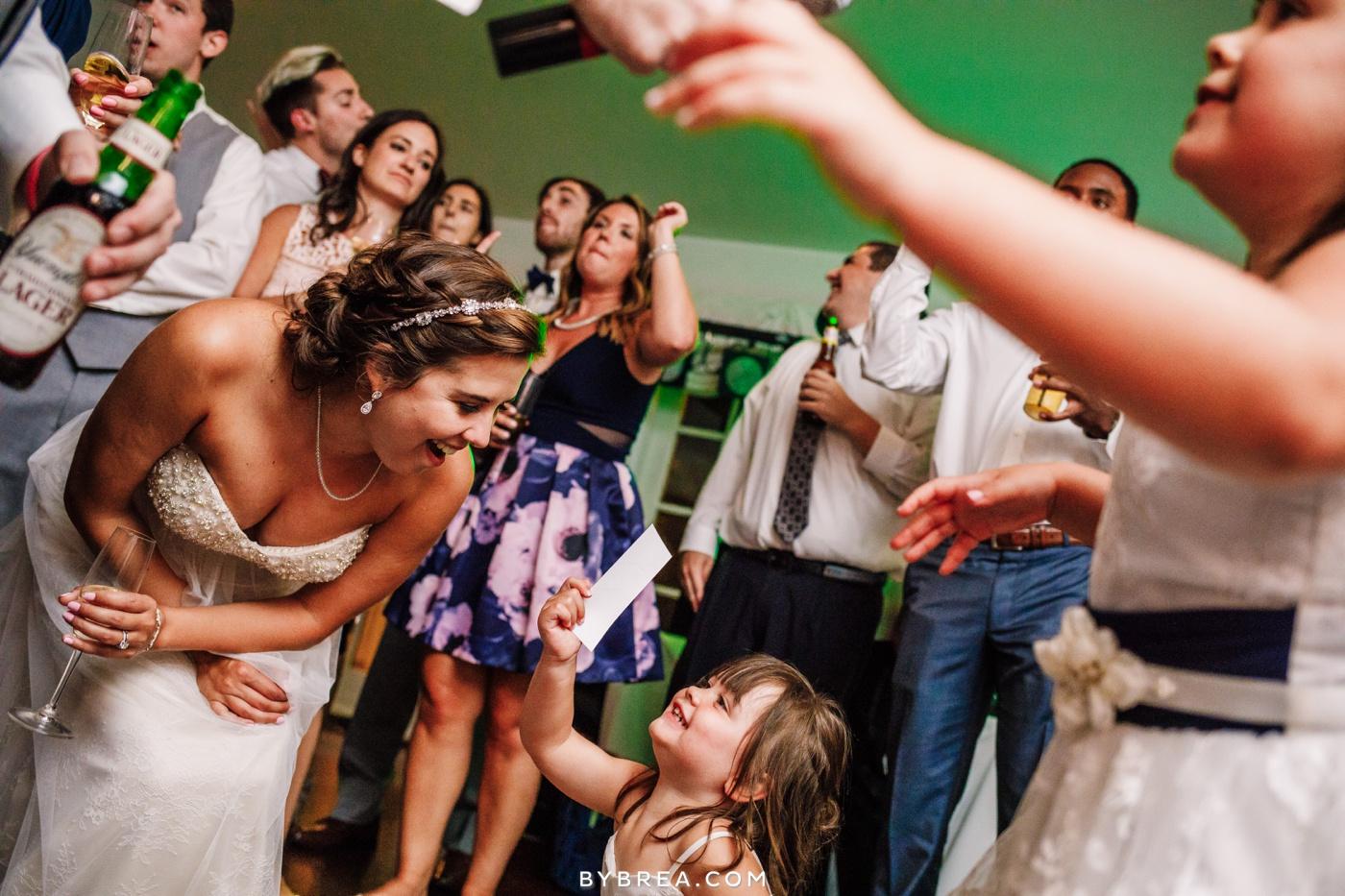 alyssa-richie-antrim-1844-wedding-photos_1641