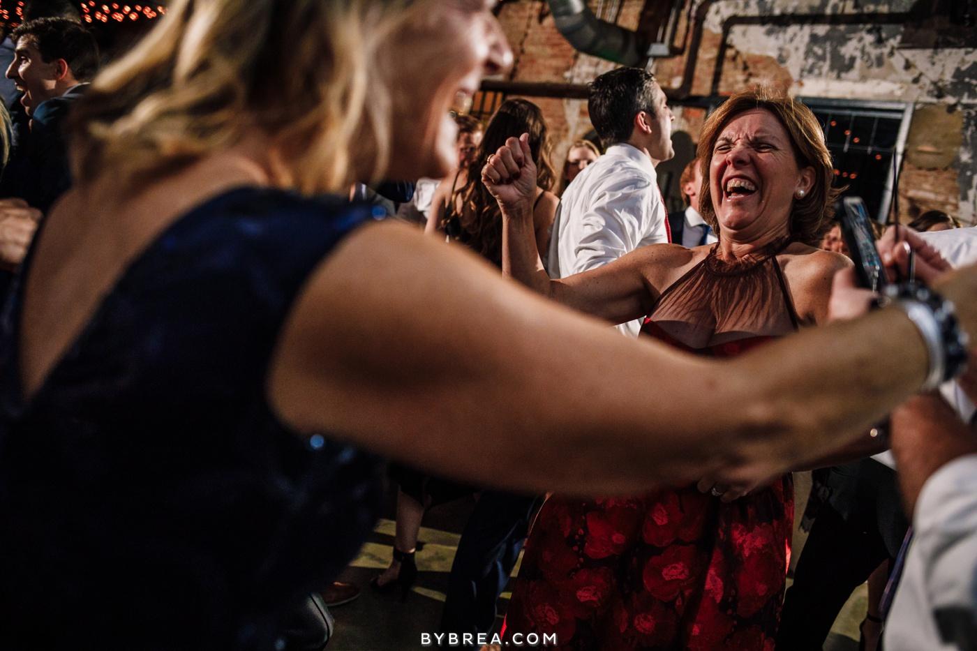 taylor-jon-mt-washington-mill-dye-house-wedding-photos_0299