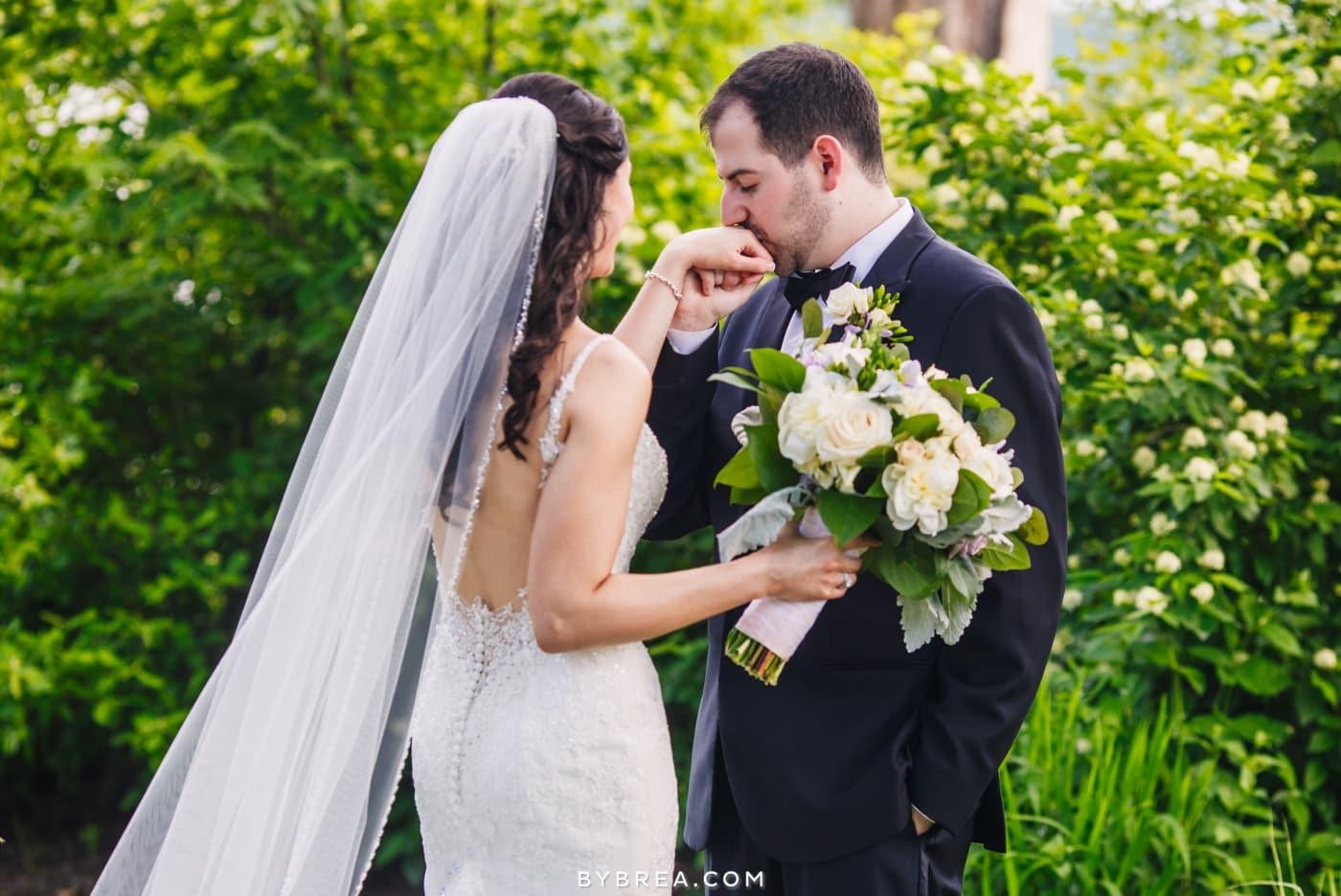 sarah-joe-waters-edge-baltimore-wedding-photos_0555