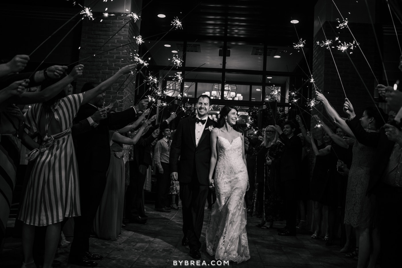 sarah-joe-waters-edge-baltimore-wedding-photos_0608