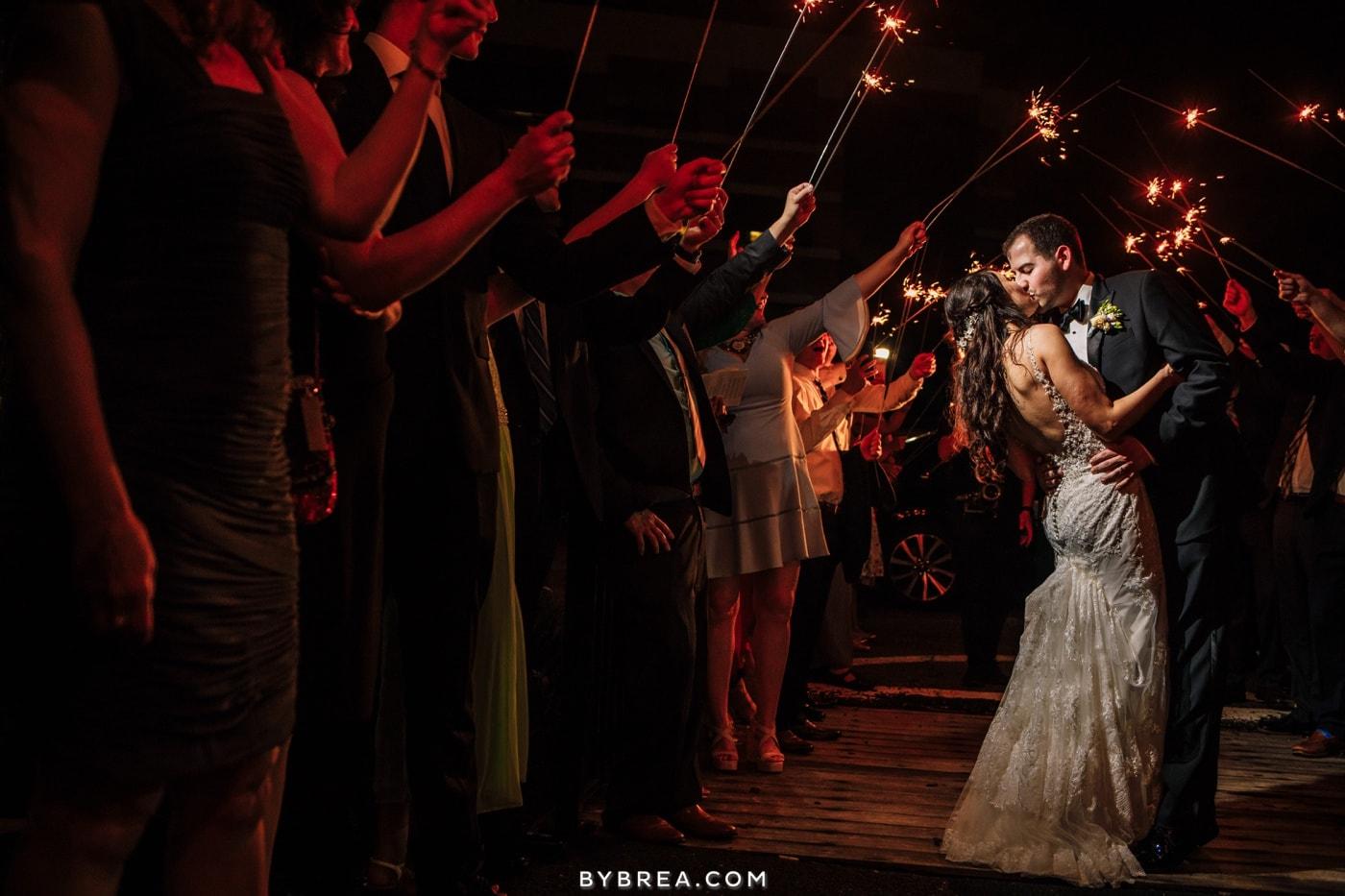 sarah-joe-waters-edge-baltimore-wedding-photos_0609